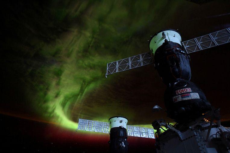 Het noorderlicht gezien vanuit het International Space Station. Beeld REUTERS