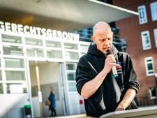 Taakstraf en boete voor actievoerder Tinus Koops na bedreigen Van Zanen met 'baksteen in zijn nek'