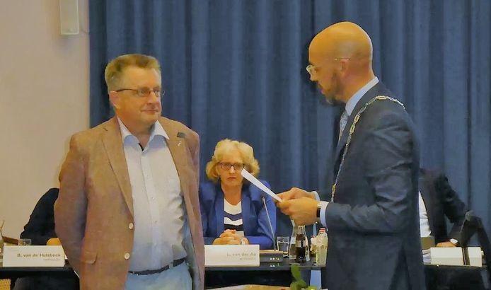 Jack de Vlieger bij zijn beëdiging in augustus 2019 door burgemeester Han Looijen