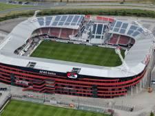 Installateur: Dak AZ-stadion niet berekend op zonnepanelen