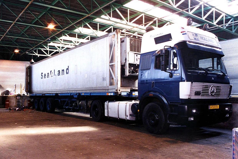 De truck waarin in 2000 58 dode mensen, ook uit China, werden aangetroffen. Beeld EPA