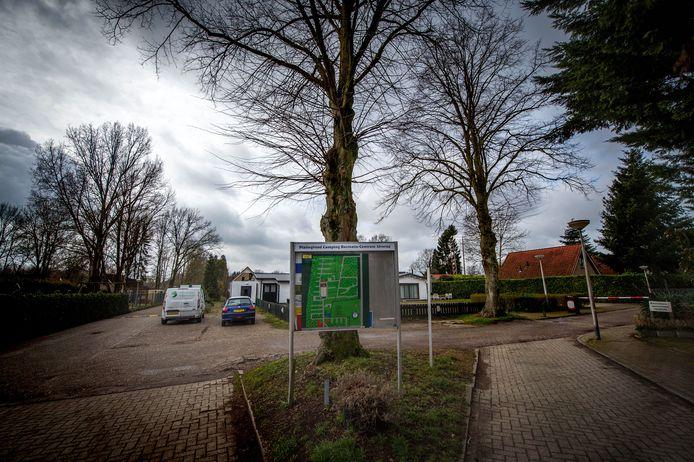 Op camping/huisjespark Wighenerhorst is van alles aan de hand.