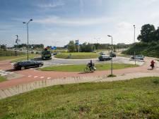 Wéér een fietser aangereden op rotonde Van der Valk Vught
