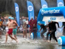 Zwemmen tegen kanker het mooist als het een minuut stil is