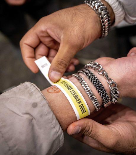 Doetinchem praat over 'corona-polsbandje' voor toegang tot horeca