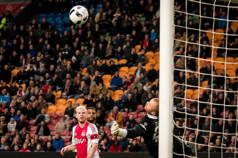 Davy Klaassen scoort de 3-1. Beeld anp