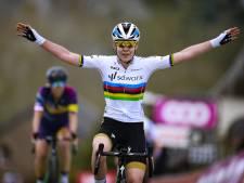 Magistrale Van der Breggen wint Waalse Pijl voor zevende keer op rij