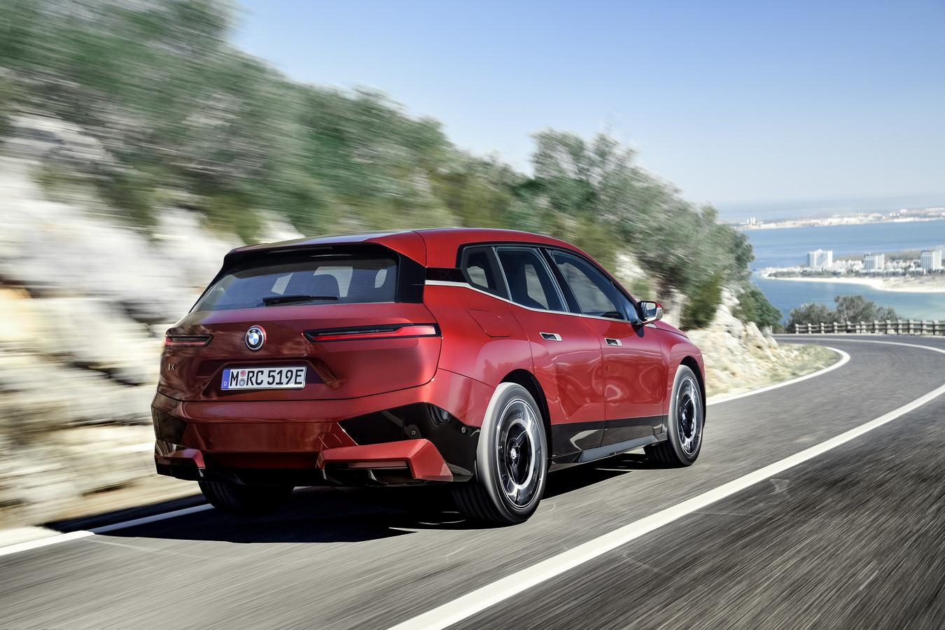 De nieuwe BMW iX kan straks draadloos worden 'opgewaardeerd'