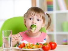 Zo gaat je kind wél groente eten: geef het goede voorbeeld en zet kleine stapjes