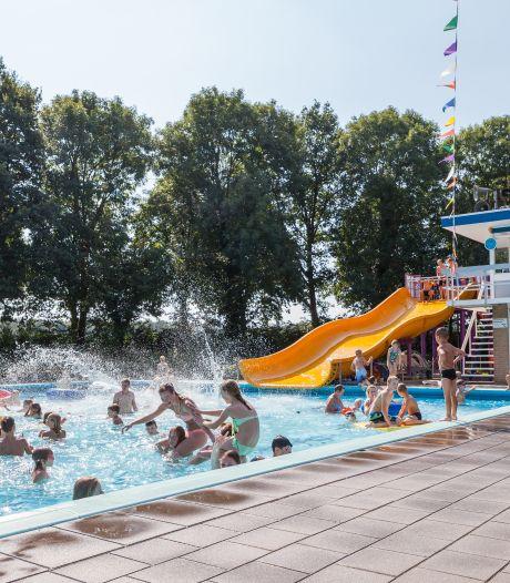 Met komst van topzwemmers dankt openluchtbad Heino bezoekers voor corona-discipline