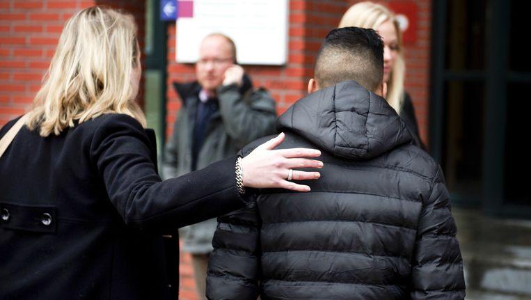 Een van de oud-verdachten van de examendiefstal op de islamitische scholengemeenschap Ibn Ghaldoun komt aan de rechtbank in Rotterdam voor de regiezitting Beeld anp