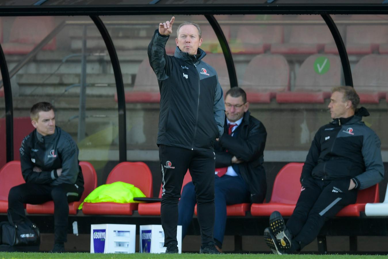 Helmond Sport-trainer Wil Boessen pakte met zijn ploeg een punt tegen Jong Ajax en is nu 4 duels op rij ongeslagen.