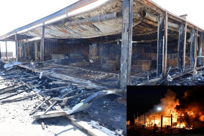Bar Goed brandde zondagochtend vroeg compleet uit.