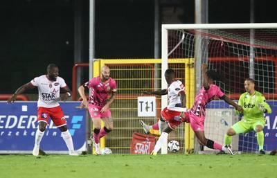 eerste-puntenverlies-koploper-charleroi-in-belgische-competitie