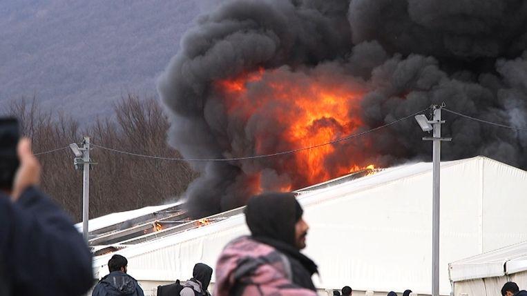 De brand werd enkele uren later bedwongen. Beeld REUTERS