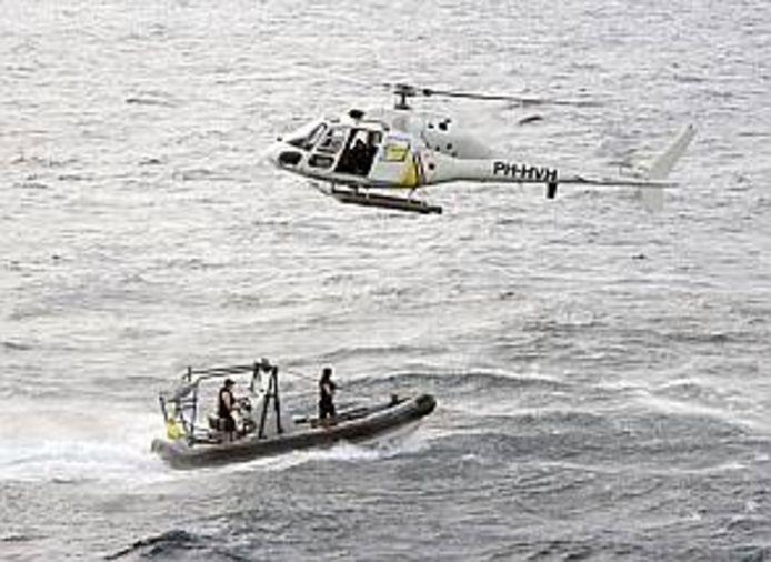 De Nederlandse marine op oefening in de wateren bij Curaçao. (Archieffoto)