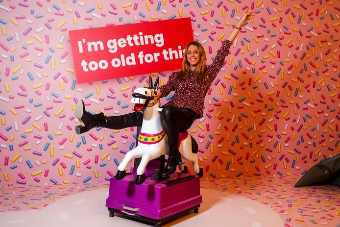 Influencer Barbara Celine Zwerver bezoekt Smile Safari.