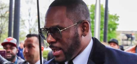 Vriendin R. Kelly spreekt zich voor het eerst uit tegen zanger