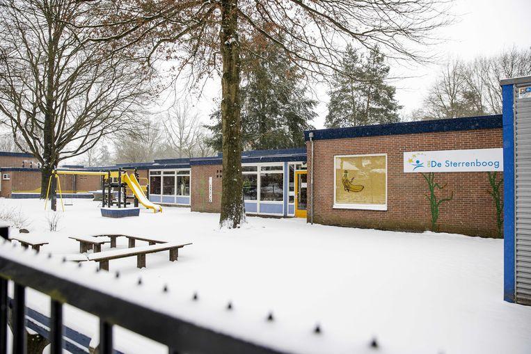 Vorige week maandag bleven veel basisscholen ook dicht. Toen gold code rood vanwege sneeuwval.  Beeld ANP
