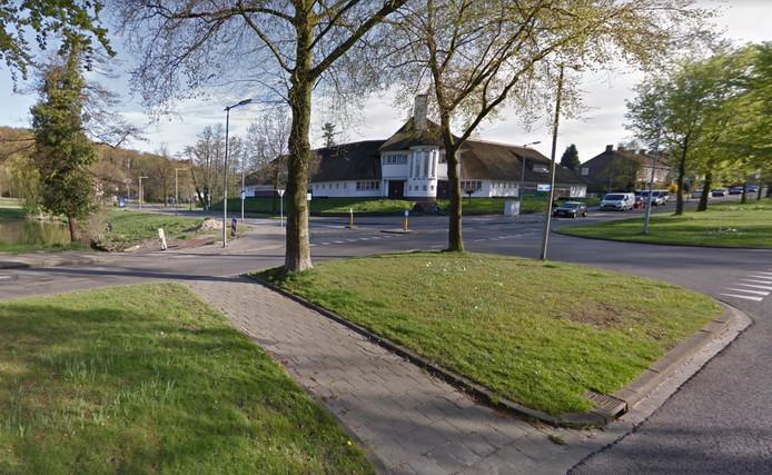 De kruising Rosendaalseweg-Bronbeeklaan in Arnhem.