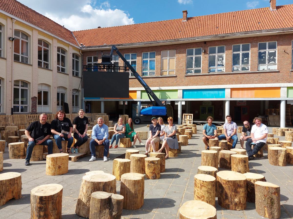 Zomerterras en EK-dorp Popcorner.be steunt Thus, Buurthuis Bellewijk, De Lovie en De Walhoeve