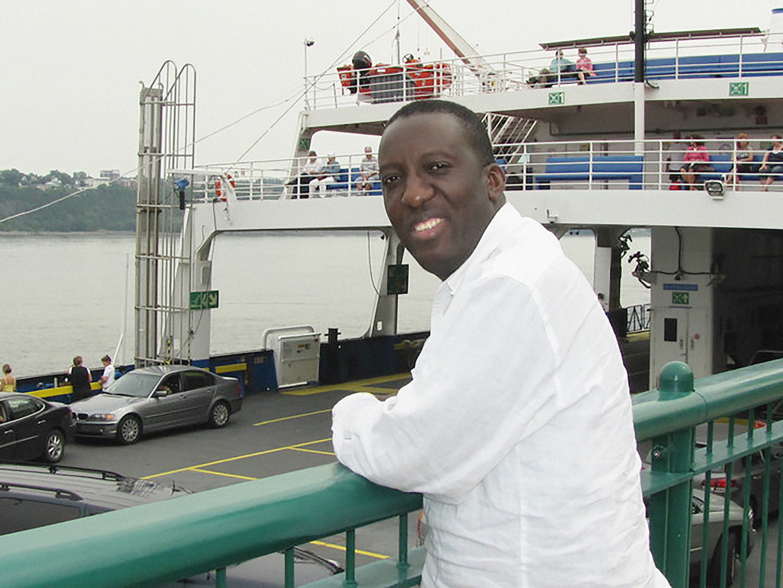 Ngola: 'De premier wijst naar 'één onverantwoordelijke gezondheidswerker'. Al snel gaan mijn foto, naam én adres rond op sociale media' Beeld rv
