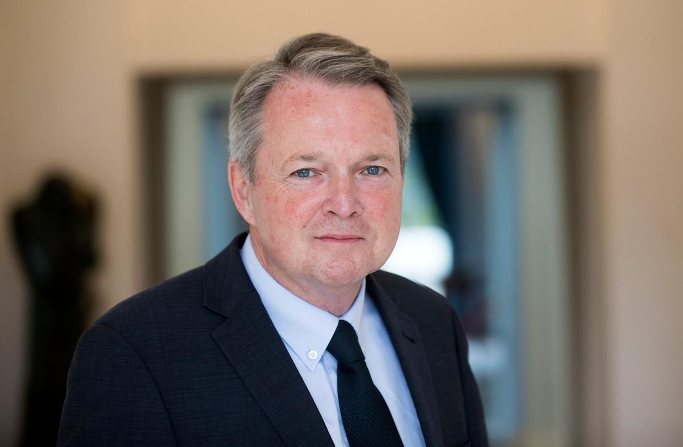 De VVD is in grote problemen gekomen door de geheime vertrekdeal voor de eigen wethouder André Landwehr.