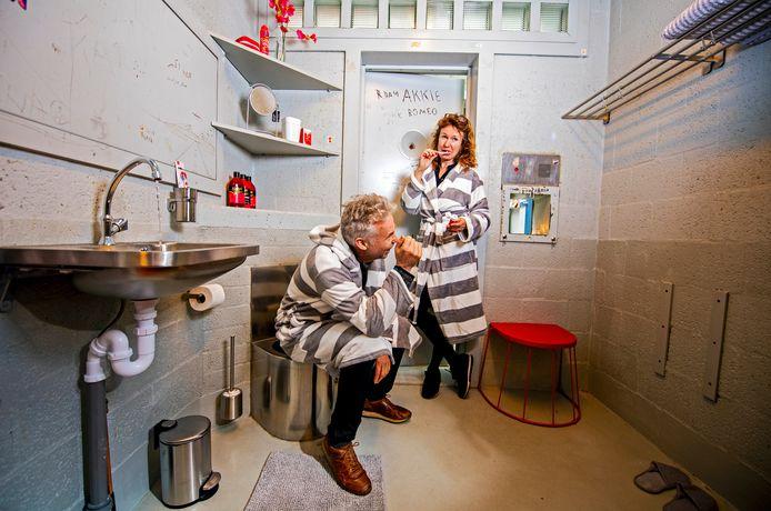 Rotterdam heeft er een bijzondere slaapplek bij: Penthouse Prison. Ofwel: slapen in het cellencomplex van het oude politiebureau aan het Eendrachtsplein.