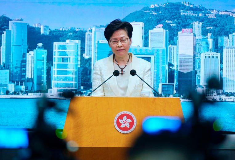 Hongkongs hoogste bestuurder Carrie Lam beschouwt de wet als een 'koekje van eigen deeg' voor westerse overheden.  Beeld AP