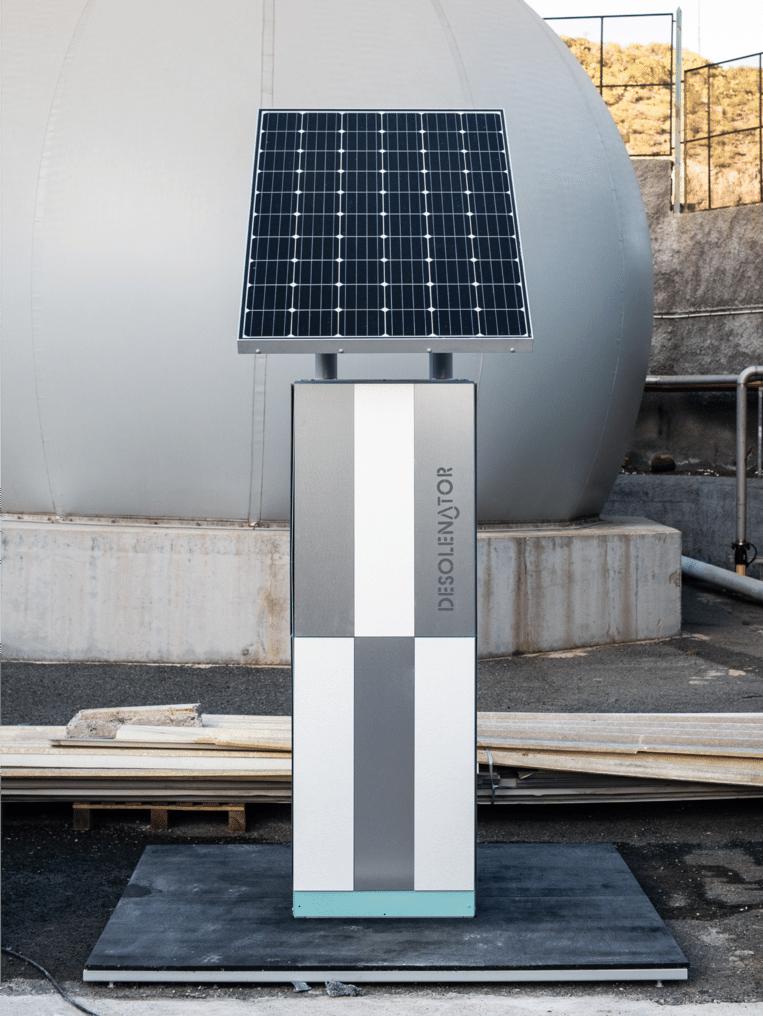 Zonnepaneel voor zuiver tapwater Beeld Desolenator
