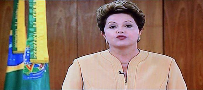 Dilma Rousseff vrijdag op de Braziliaanse televisie.