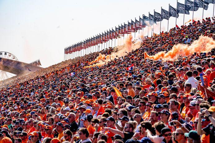 De oranje menigte op Zandvoort.
