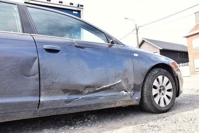 Ook de Audi liep behoorlijk wat schade op, bij de botsing langs de Moorseelsesteenweg in Rumbeke.