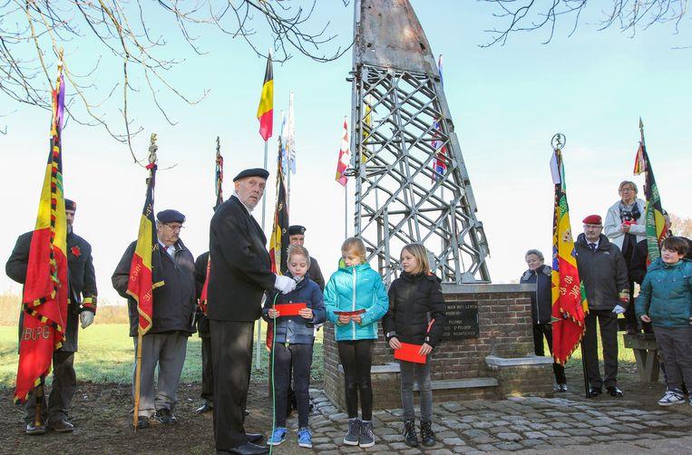 De leerlingen van De Duizendpoot werd nauw betrokken bij de herdenking van Valentijnsnacht '43 aan De Vleugel in De Donken.