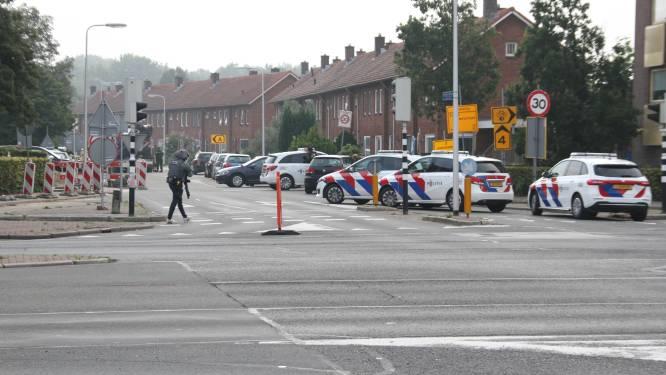 Twee doden bij steekpartij Nederland, politie schiet man met kruisboog neer