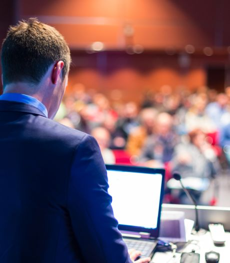 Zo blijf je je zenuwen de baas tijdens een presentatie