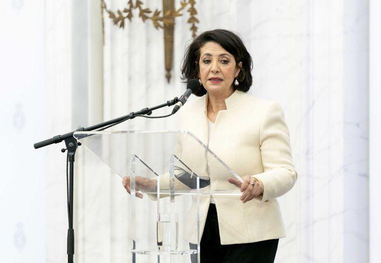 Tweede Kamervoorzitter Khadija Arib geeft een persverklaring in de Oude Zaal op de dag na de Tweede Kamerverkiezingen. Beeld ANP