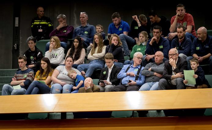 Pulsvissers op de publieke tribune tijdens het wekelijkse vragenuur in de Tweede Kamer.