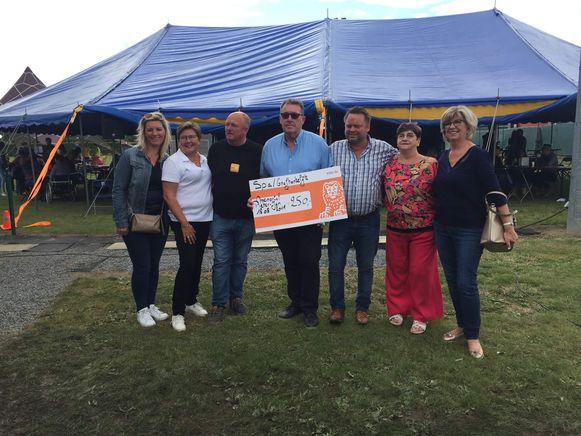 Sp.a/onafhankelijk schenkt 250 euro aan Kom Op Tegen Kanker.