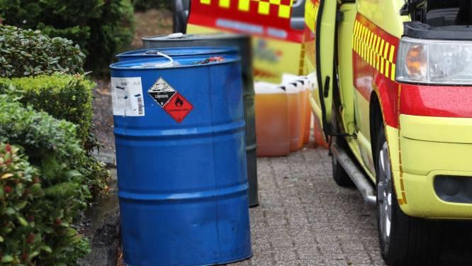 Busje vol met vermoedelijk drugsafval ontdekt in Lennisheuvel, bestuurder aangehouden