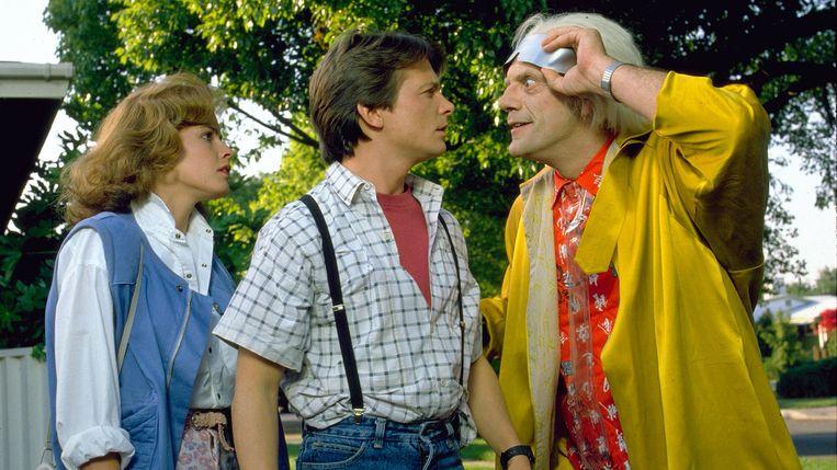 Elisabeth Shue, Michael J. Fox en Christopher Lloyd in Back to the Future Part II van Robert Zemeckis Beeld x