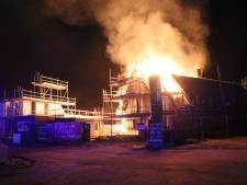 Nieuwbouwwoning in Vleuten bijna klaar, maar rieten kap is verloren gegaan bij brand