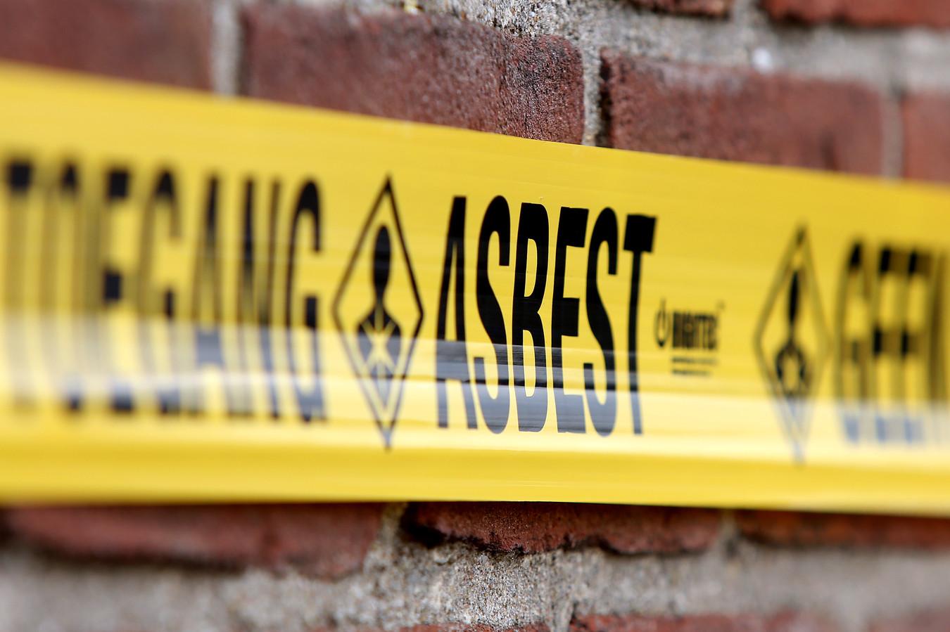Behalve asbest werd een loodverontreiniging aangetroffen. In het grondwater bleek arseen te zitten.