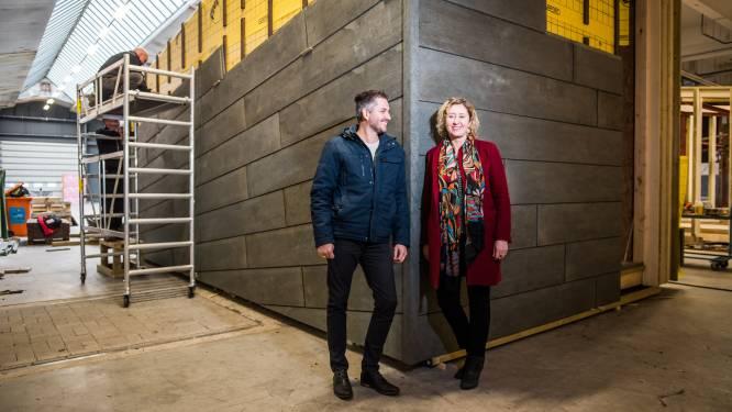 Bram en Marlous gaan in allereerste huis van gerecycled plastic wonen