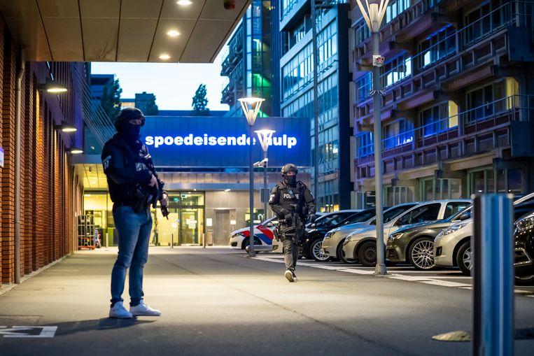Bij het VUMC staat de bewakingseenheid van de politie.  Beeld Hollandse Hoogte / Novum RegioFoto