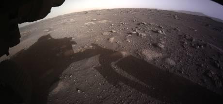 Marsverkenner Perseverance stuurt eerste beelden landing naar aarde