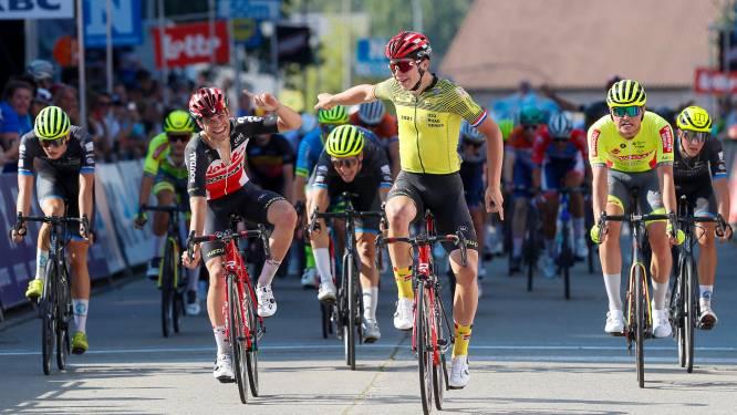 Met vijftig naar de streep in Omloop, dus twee op twee voor Arnaud De Lie in Road Series U23