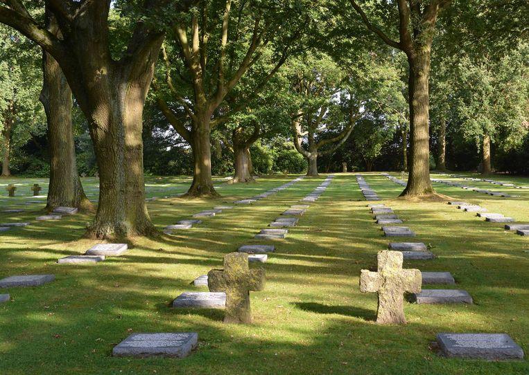 Op de begraafplaats Menen Wald liggen 48.049 gesneuvelden. Hun nazaten worden er dit weekend verwacht voor de herdenking van de aanleg, precies honderd jaar geleden.