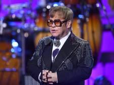 """Elton John de retour après l'annonce de sa pneumonie: """"C'était une semaine difficile"""""""