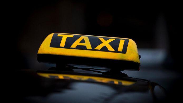 Alle nieuwe taxi's in Amersfoort moeten vanaf 2025 'groen' zijn, wat wil zeggen dat de motor niet op benzine of diesel loopt.